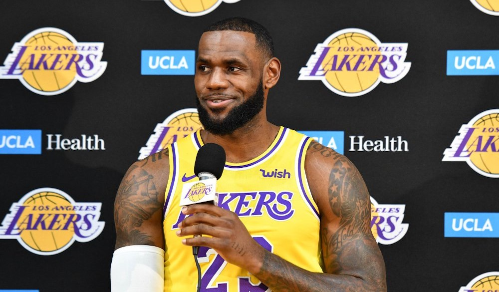 Are LeBron's Lakers title contenders?